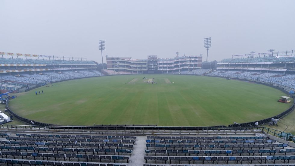The Air Quality around the Kotla in the afternoon was over 800 but it only marginally improved to 370 during the match time.
