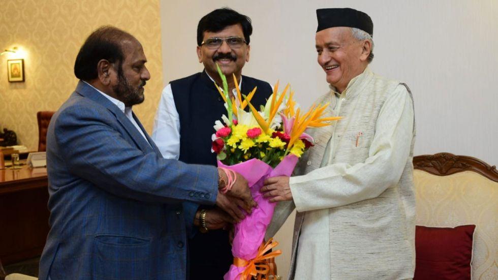 Shiv Sena leaders Ramdas Kadam and Sanjay Raut with Maharashtra Governor Bhagat Singh Koshyari.