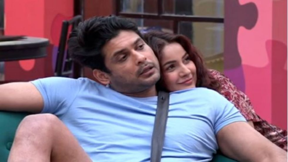 Bigg Boss 13: Shehnaz Attempt To Kiss Sidharth Shukla And Mend Their Differences