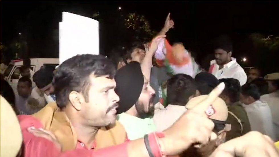 Congress Protests Outside Amit Shah's Residence After Removal Of Gandhi Family's SPG Cover