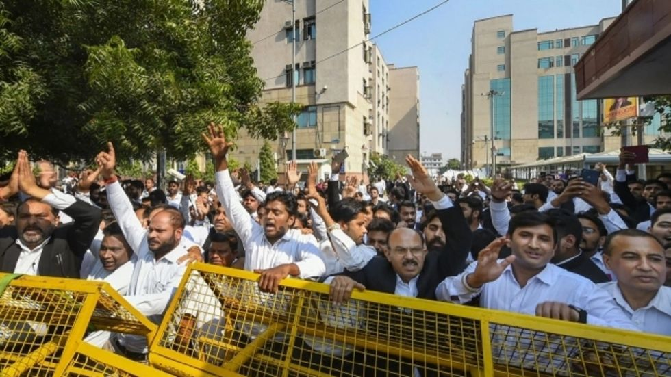 Bar Council of India has threatened a nationwide stir if no action is taken against the police officers who allegedly fired at the advocates.