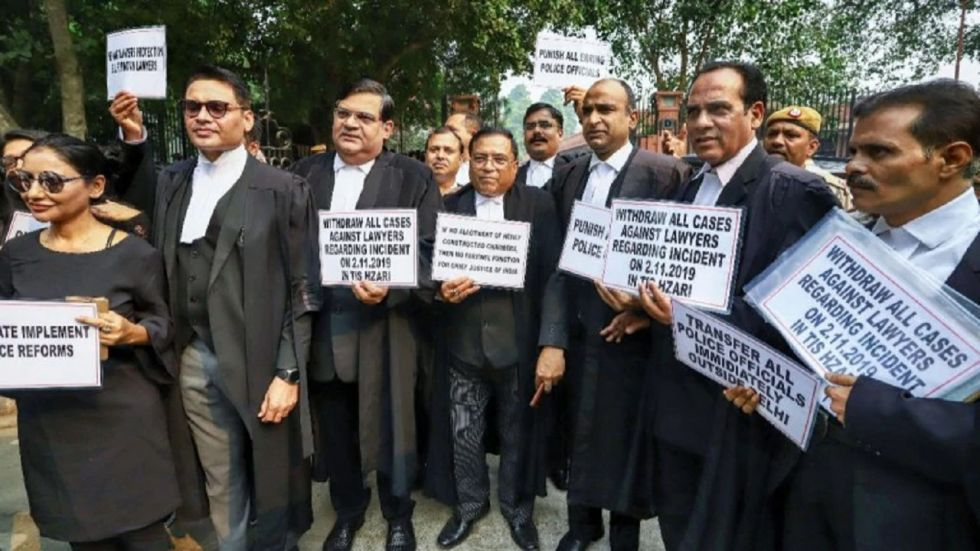 The lawyers of all the six district courts in Delhi boycotted work for five consecutive days.