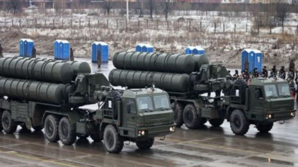 The S-400 missile system can simultaneously shell 36 targets moving at a speed of up to 4,800 metres per second with 72 ground-to-air missiles.
