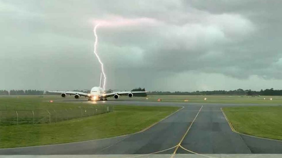 Lightning Strikes Near Plane At New Zealand Airport