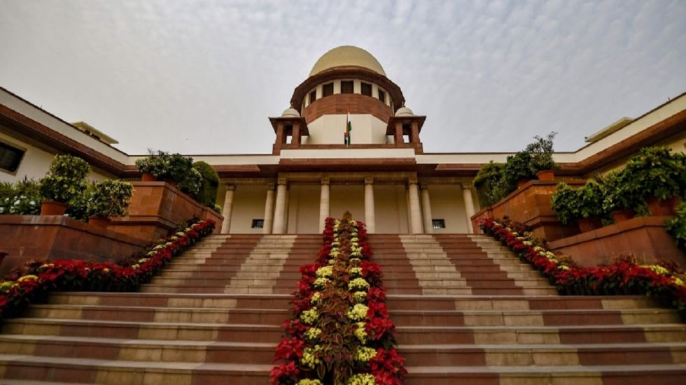 Maharashtra: Shiv Sena, Congress, NCP petition to be heard in the Supreme Court at 11.30 am.