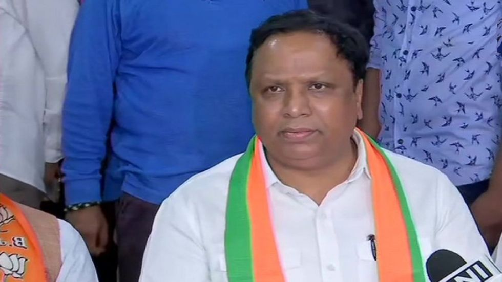 Ashish Shelar said Shiv Sena committed the sin of abandoning Bal Thackeray's thoughts of aligning with the BJP.