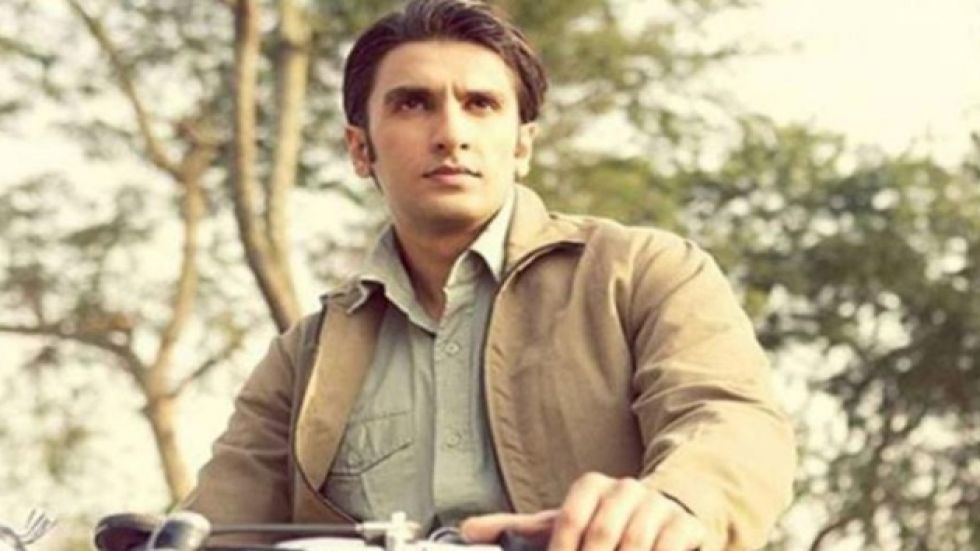 Ranveer Used To Staple His Stomach To Display Pain During Lootera Shoot!