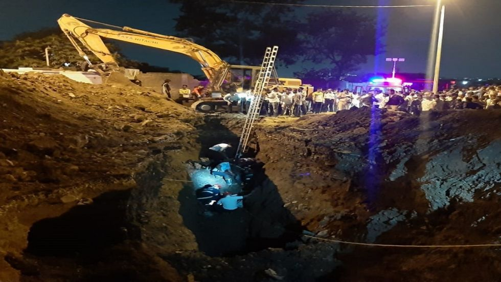 Maharashtra: 3 Firemen Trapped While Rescuing Boy From Trench In Pune