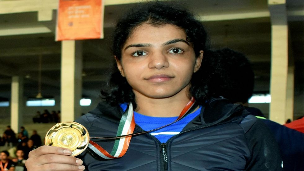 Vinesh beat 20-year-old Haryana's Anju 7-3 in the 55kg category to clinch her second consecutive gold at Nationals, Olympic bronze medallist Sakshi overcame some gutsy moves by her opponent Radhika of Haryana.
