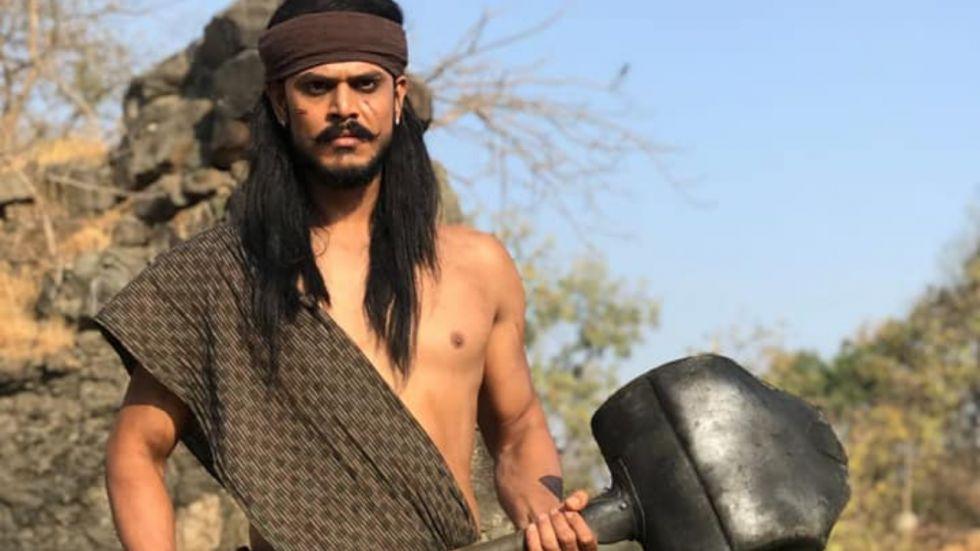 Chandragupta Maurya Actor Parth Tiwari Chased By 50 Goons!