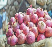 Inflation Leaves Consumers Teary-Eyed As Price Of Onions Touches Rs 200 Per Kg