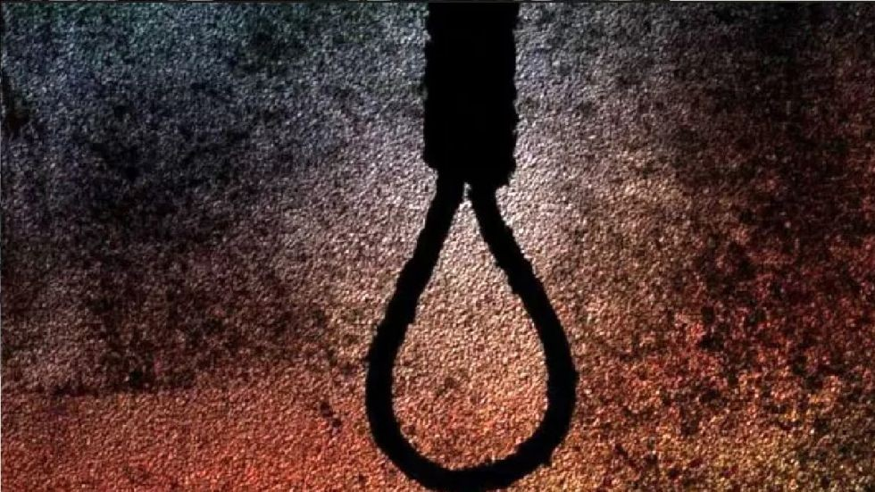 The girl, a class 6 student of Chakdah school in Regent Park area, hung herself from the ceiling of a room.