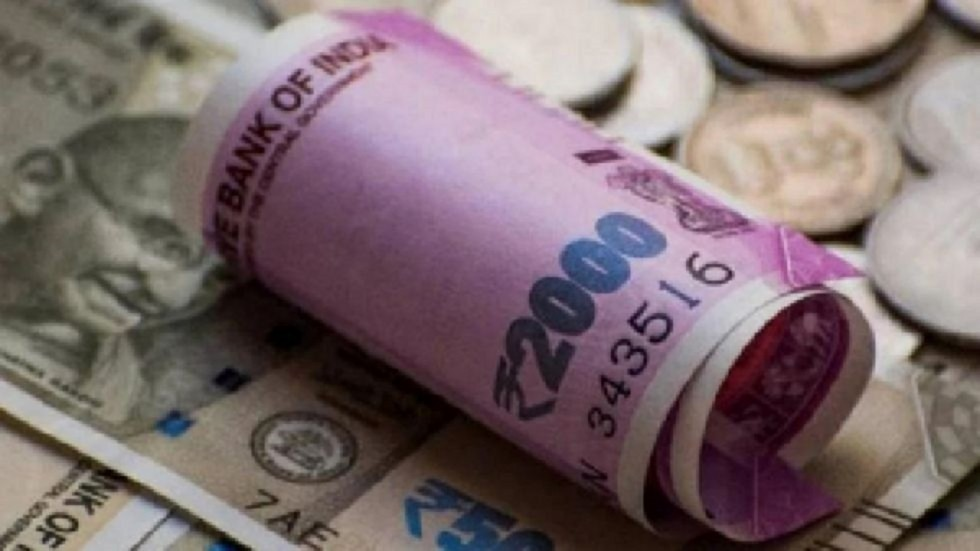 Rupee Logs 4th Straight Gains, Spurts 27 Paise Against USD