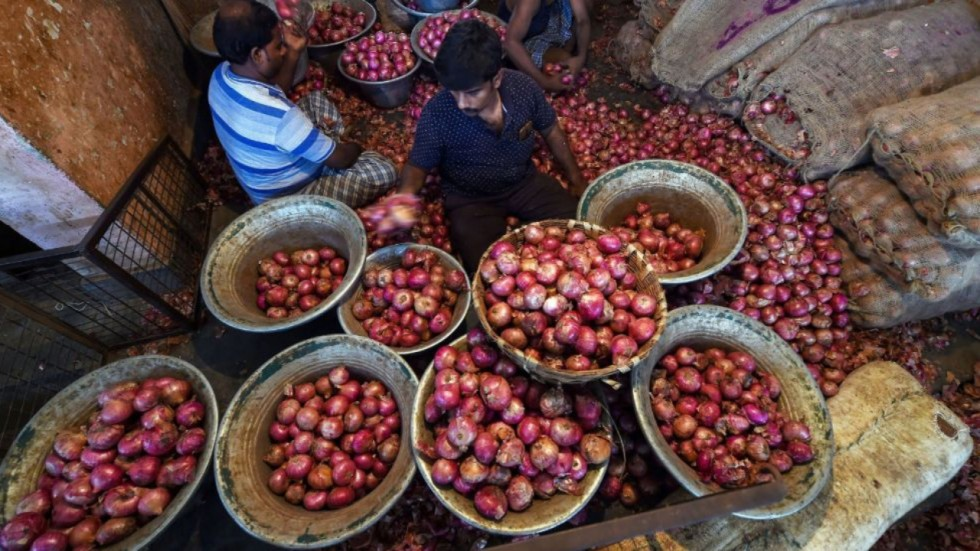 Centre is offering imported onions at an average cost of Rs 55 per kg and also bearing the entire transportation cost.