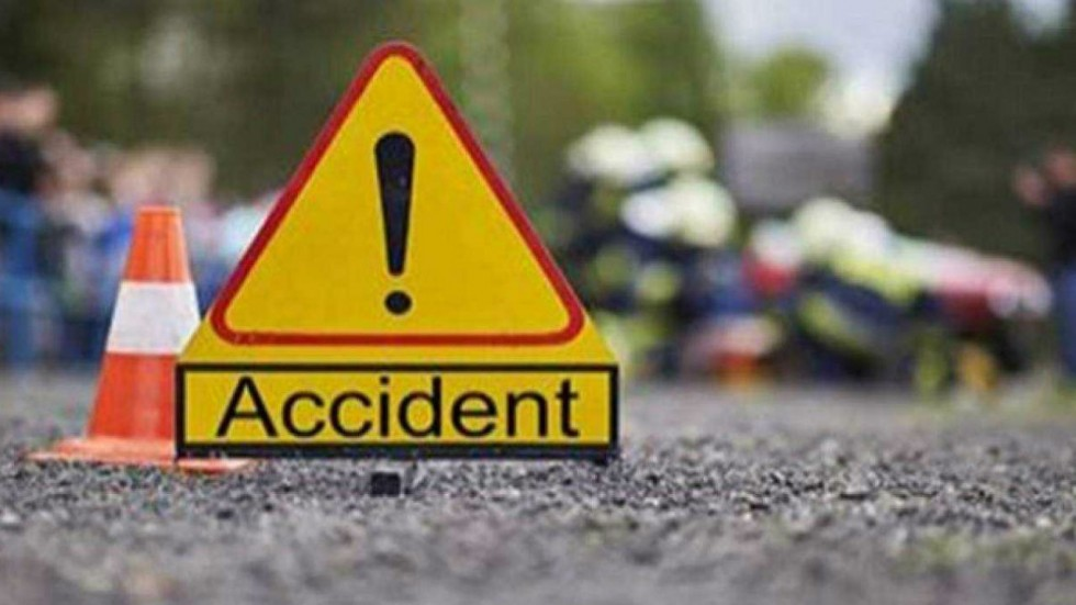 The accident took place near Hasanpur railway station in Samastipur-Khagariya division in Bihar.