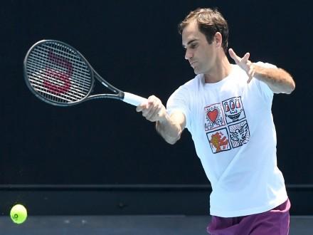 Federer Blasts Officials Over Lack Of Communication On