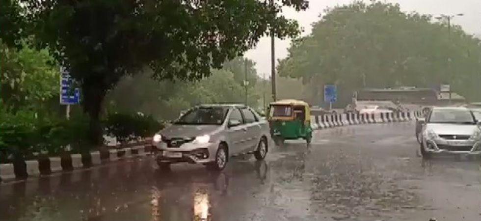 Rains lash Delhi-NCR, bring respite from scorching heat