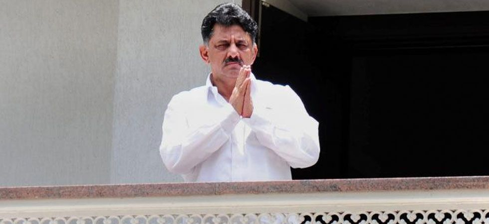 Karnataka Congress leader DK Shivakumar to visit Mumbai tomorrow to meet rebel MLAs: Sources