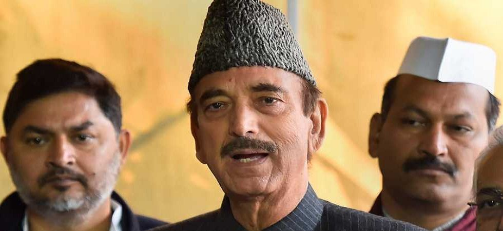 Congress leader Ghulam Nabi Azad stopped at Jammu airport, being sent back to Delhi