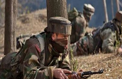 Encounter underway in Sopore district of Jammu and Kashmir, two terrorists reportedly holed up