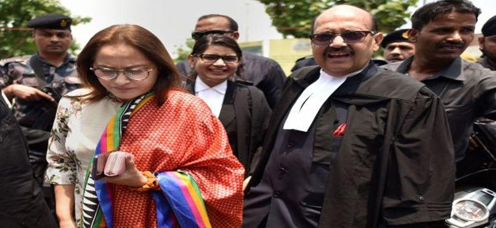 BJP leader Jaya Prada with her lawyer Amar Singh in Allahabad High Court. (Image Credit: PTI)