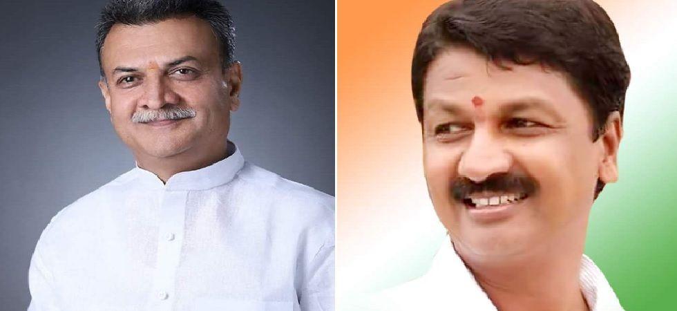 Congress rebel MLAs Ramesh Jarkiholi and Mahesh Kumathalli (File Photo)