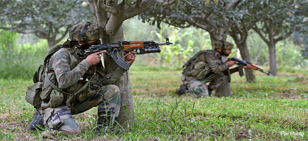Encounter breaks out between police and maoists at Visakhapatnam's Gandeplli