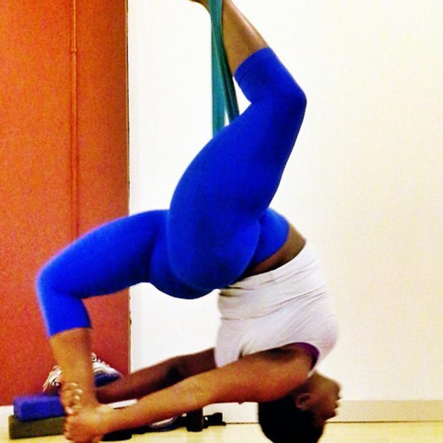 Plus size yoga teacher rocks Instagram!