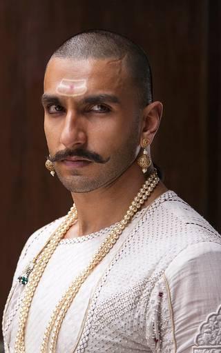 Ranveer, Deepika and Priyanka's classic look in 'Bajirao Mastani'