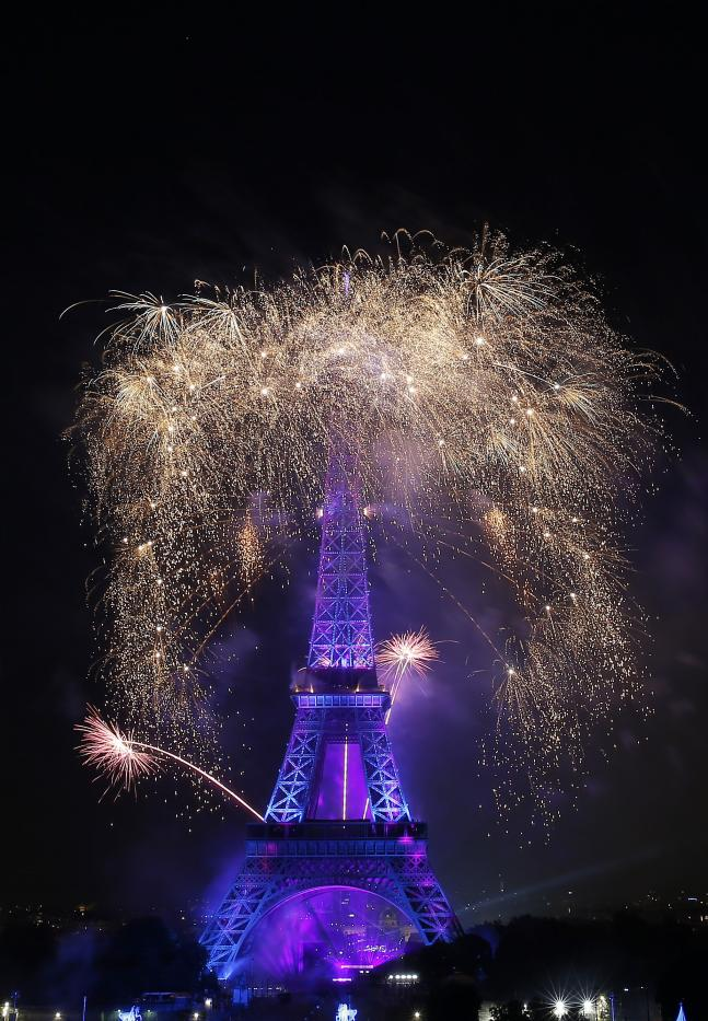 Bastille Day fireworks at Eiffle tower