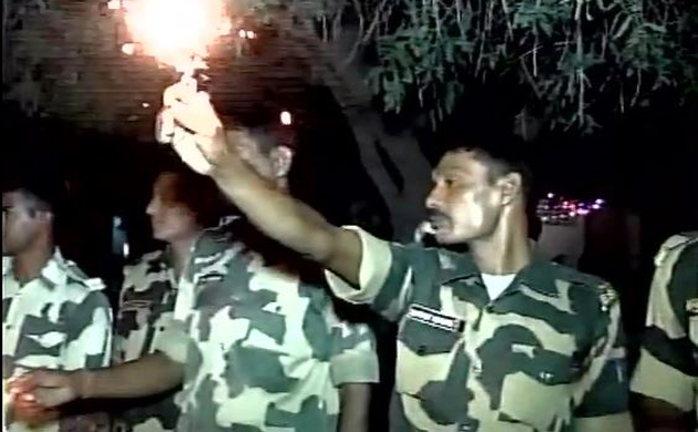 Happy Diwali: Army men and BSF Jawans celebrates Festival of Lights in RS Pura (J&K) and other border area