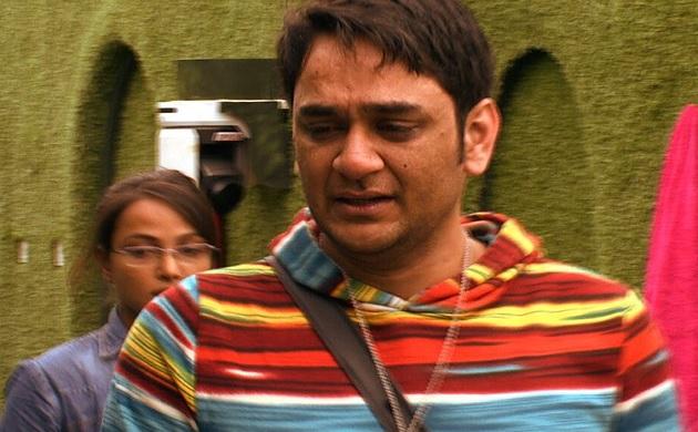Bigg Boss 11 Vikas Gupta have an emotional breakdown and lock himself in the bathroom