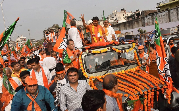 BJP to form governments in Gujarat Himachal Pradesh celebrations at party HQs across country