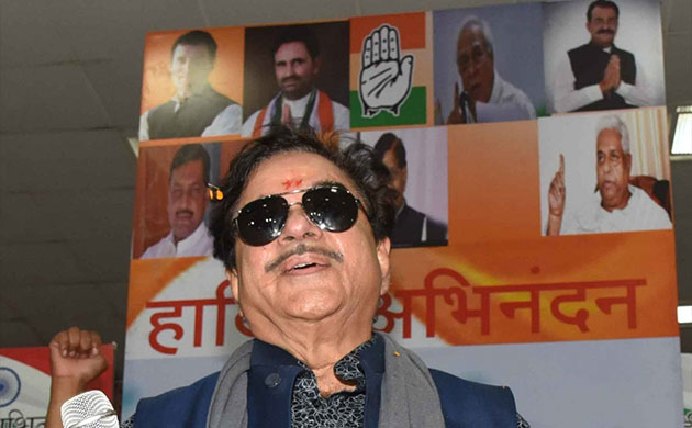 'Loyalist' Shatrughan Sinha speaks to Congress workers in Patna