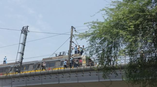 Delhi Metro commuters take to tracks when Yellow Line services between Sultanpur and Qutub Minar faced technical glitch