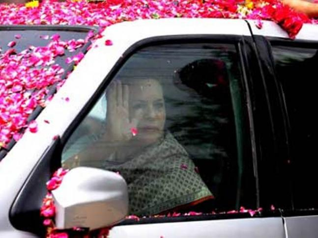 Sonia showered with rose petals while filing nomination