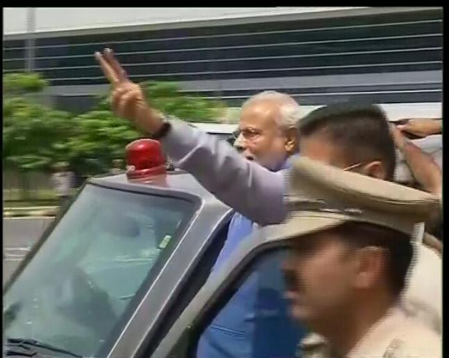 In Pics: Delhi welcomes the 'Hero' after stunning poll win
