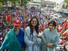 In pics: Sonakshi does daughter's job, campaigns for mother Poonam Sinha in Lucknow