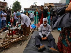 Anger in Nepal over slow pace of relief efforts