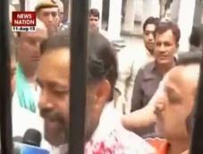 Yogendra Yadav complains against arrest