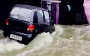 Heavy rains paralyse life in Mumbai and Hyderabad
