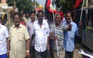 2G spectrum scam: DMK workers celebrate in Delhi, Chennai after  CBI court acquitted all accused
