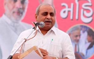 Gujarat: Deputy CM Nitin Patel to take charge after Amit Shah placates him