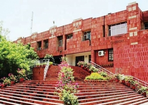 JNU film screening on 'love jihad' disrupted, minor clashes erupt between groups