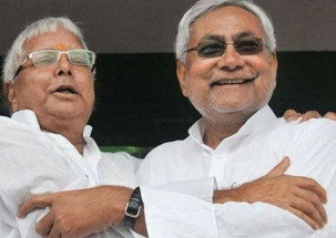 Nation View: Nitish Kumar inquires Lalu's well-being; Tejashwi says no place for him in RJD