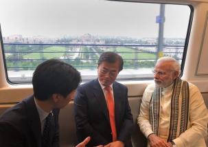 PM Modi, South Korean Prez Moon Jae-in take Metro ride to Noida