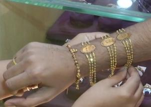 Raksha Bandhan 2018: Gold rakhis with engravings of PM Modi, Yogi on high demands in markets