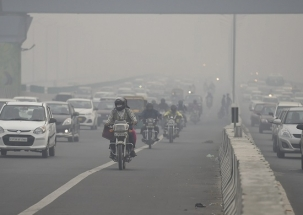 Delhiites struggle to breathe as thick smog engulfs national capital ahead of Diwali