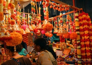 Diwali 2018: People set to welcome the 'Festival of Lights'