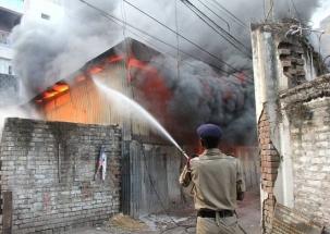 Super 50: Fire breaks out in Uttar Pradesh' electronic goods market
